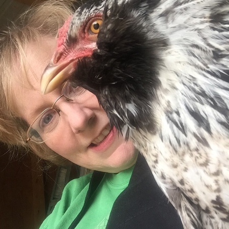 Kelly-chicken-selfie